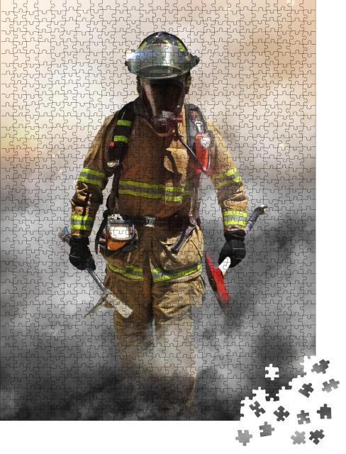 """Puzzle 1000 Teile """"Feuerwehrmann durchdringt eine Rauchwand"""""""