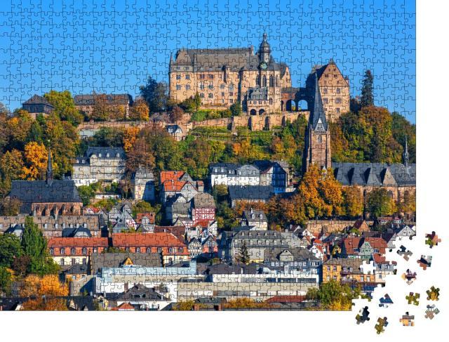 """Puzzle 1000 Teile """"Marburg an der Lahn: Landgrafenschloss und bunte Fachwerkhäuser"""""""