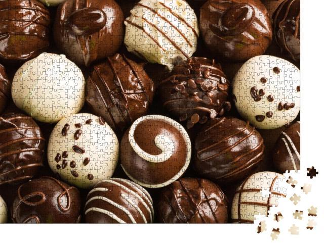 """Puzzle 1000 Teile """"Eine Auswahl an köstlichen Schokoladenpralinen"""""""