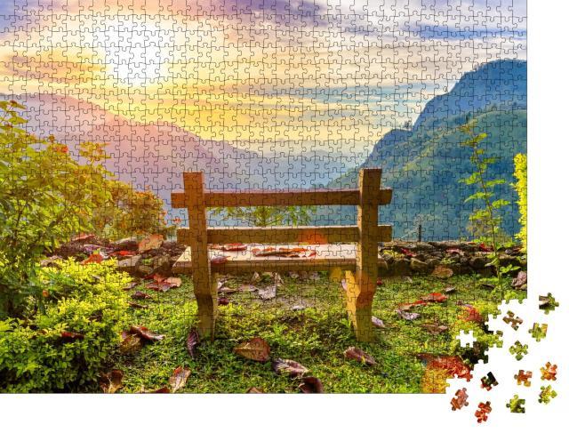 """Puzzle 1000 Teile """"Eine Bank mit Blick auf das schöne Bergtal in der Morgendämmerung, Ella, Sri Lanka"""""""