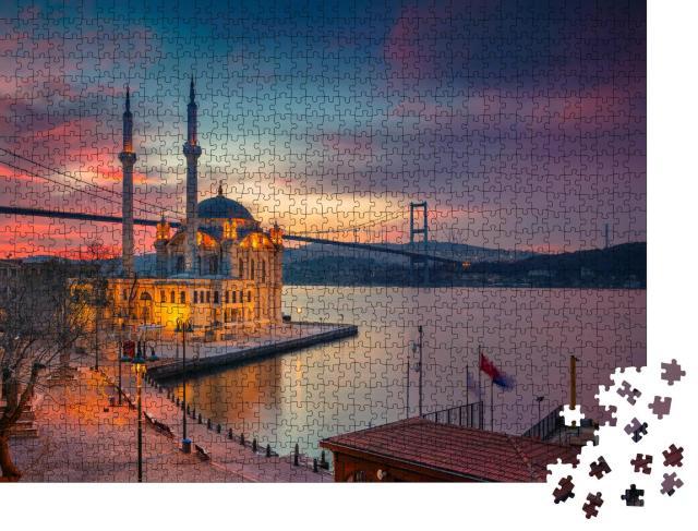 """Puzzle 1000 Teile """"Sonnenaufgang an der Ortakoy Moschee mit Bosporus-Brücke in Istanbul"""""""