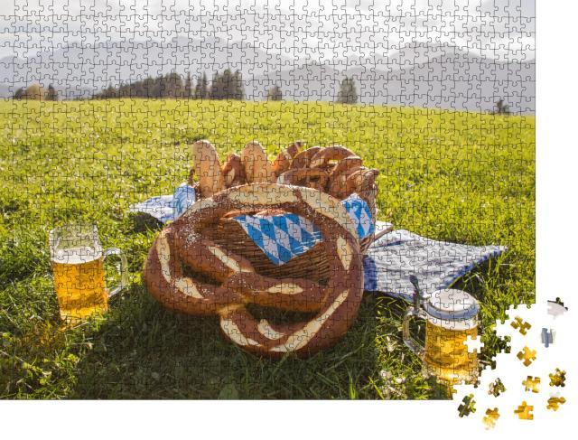 """Puzzle 1000 Teile """"Brezeln mit Bier, Brotzeit in Bayern, Allgäu, Deutschland"""""""
