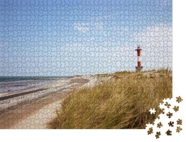 """Puzzle 1000 Teile """"Leuchtturm auf der Insel Wangerooge mit Strand"""""""