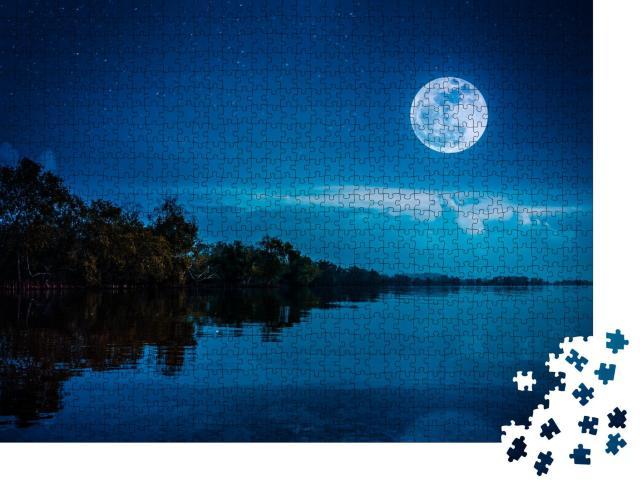 """Puzzle 1000 Teile """"Wunderschöner Vollmond über dem Ufer eines ruhigen Sees"""""""