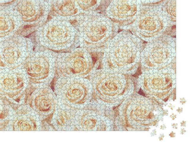 """Puzzle 1000 Teile """"Blüte an Blüte: Weiße Rosen"""""""