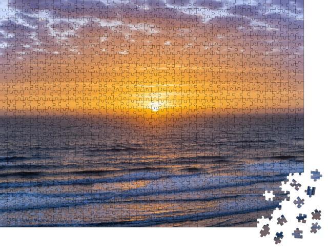 """Puzzle 1000 Teile """"Sonnenaufgang über dem Atlantischen Ozean, Florida, USA"""""""