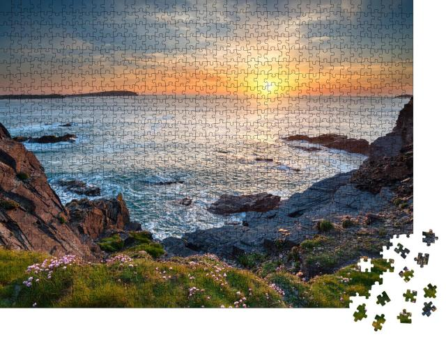 """Puzzle 1000 Teile """"Sonnenuntergang an der Longcarrow Cove bei Padstow in Cornwall"""""""