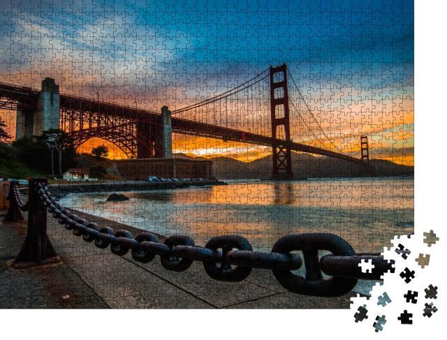 """Puzzle 1000 Teile """"Goldenes Abendlicht über der Golden Gate Bridge"""""""