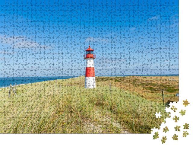 """Puzzle 1000 Teile """"Rot-weißer Leuchtturm auf Sylt, Deutschland"""""""