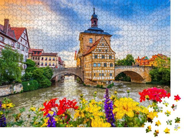 """Puzzle 1000 Teile """"Altes Rathaus von Bamberg mit zwei Brücken über die Regnitz, Bayern"""""""