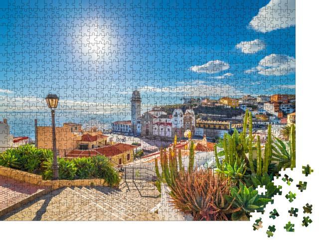 """Puzzle 1000 Teile """"Bezauberndes Dorf Candelaria auf Teneriffa, Kanarische Inseln, Spanien"""""""
