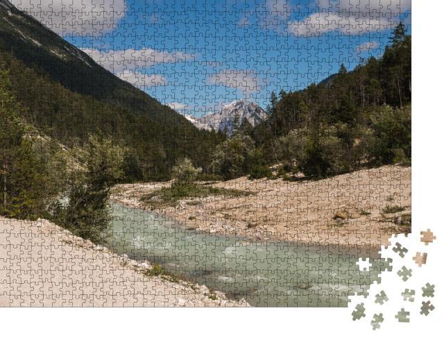 """Puzzle 1000 Teile """"Blick auf die Isar in der Nähe des Dorfes Scharnitz, österreichische Alpen"""""""