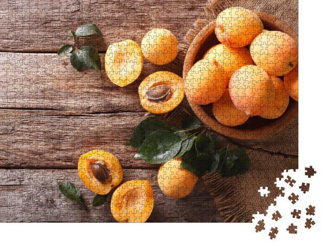 """Puzzle 1000 Teile """"Köstliche reife Aprikosen, eine Nahaufnahme von oben"""""""