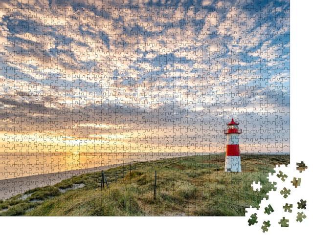 """Puzzle 1000 Teile """"Roter Leuchtturm auf der Insel Sylt, Nordfriesland, Schleswig-Holstein, Deutschland"""""""