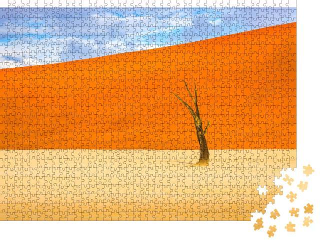 """Puzzle 1000 Teile """"Einsamer toter Baum in der orangefarbenen Sandwüste Sahara"""""""