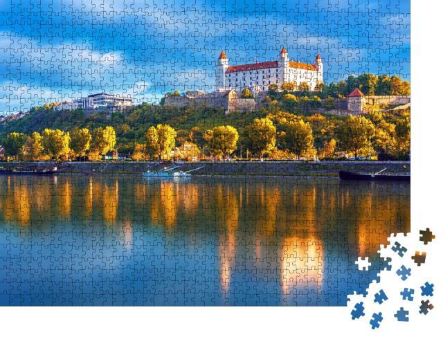 "Puzzle 1000 Teile ""Burg über der Donau, Bratislava, Slowakei"""