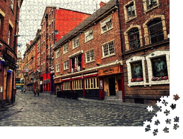 """Puzzle 1000 Teile """"Rote Backsteinhäuser: lebendiges Zentrum von Liverpool, England"""""""