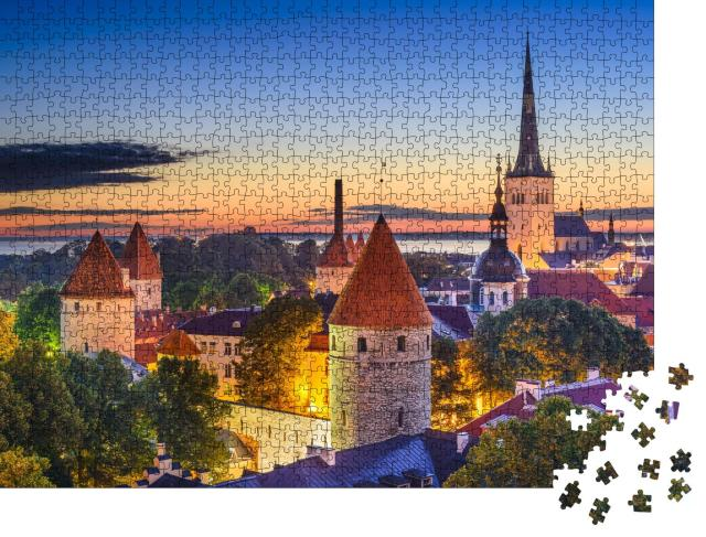 """Puzzle 1000 Teile """"Tallinn, Estland in der Morgendämmerung"""""""