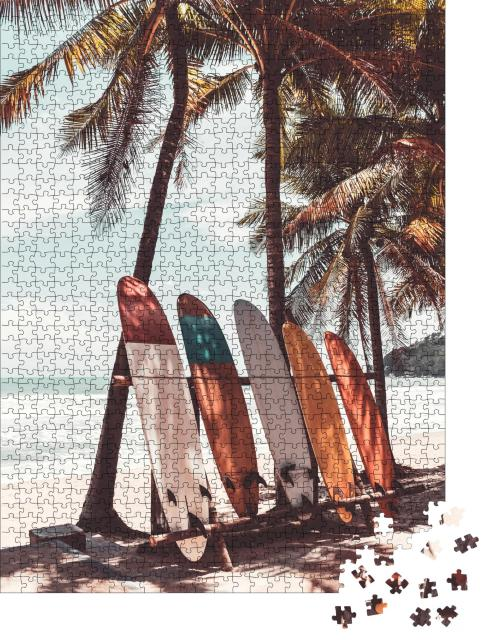 """Puzzle 1000 Teile """"Surfbretter unter Palmen"""""""