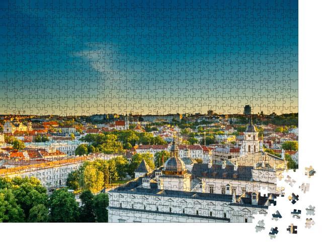 """Puzzle 1000 Teile """"Stadtbild von Vilnius am Abend im Sommer, Litauen"""""""