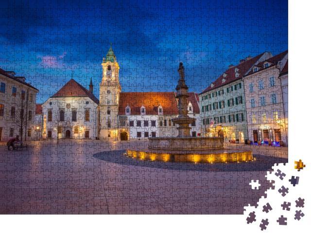 """Puzzle 1000 Teile """"Der Marktplatz von Bratislava am Abend"""""""