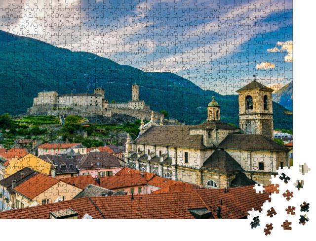 """Puzzle 1000 Teile """"Schloss Castelgrande hinter der Stiftskirche in Bellinzona, Schweiz"""""""