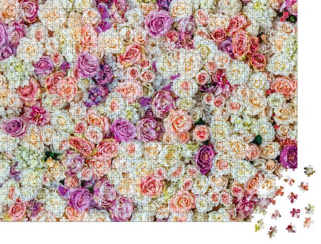 """Puzzle 1000 Teile """"Ein Meer von weißen und rosa Rosen"""""""