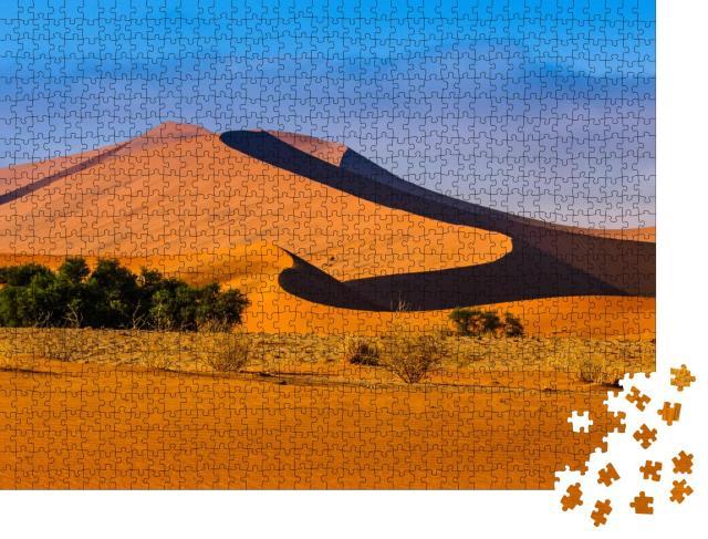 """Puzzle 1000 Teile """"Nachmittagssonne über einer Düne in der Wüste, Namibia"""""""