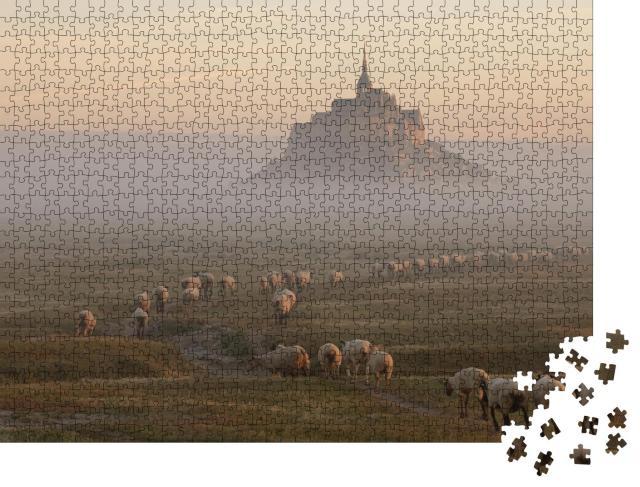 """Puzzle 1000 Teile """"Gezeiteninsel Le Mont Saint-Michel im Morgenlicht, Normandie, Nordfrankreich"""""""
