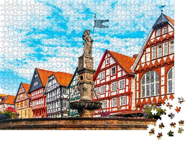 """Puzzle 1000 Teile """"Rolandbrunnen auf dem Marktplatz von Fritzlar, Hessen"""""""