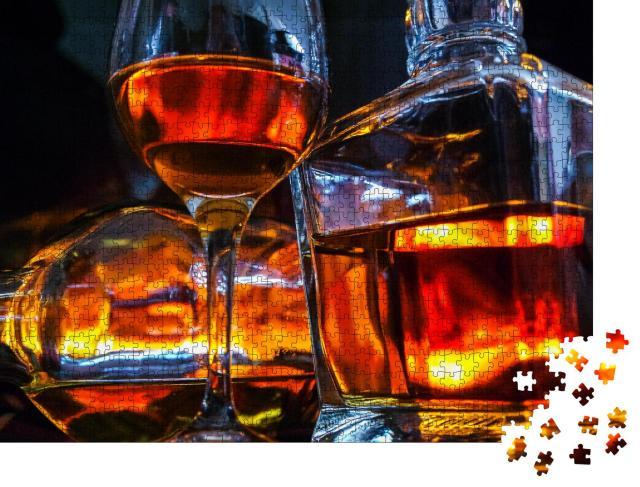"""Puzzle 1000 Teile """"Alkoholisches Getränk, Hintergrund mit offenem Feuer, Whisky, Brandy, Cognac, Likör"""""""