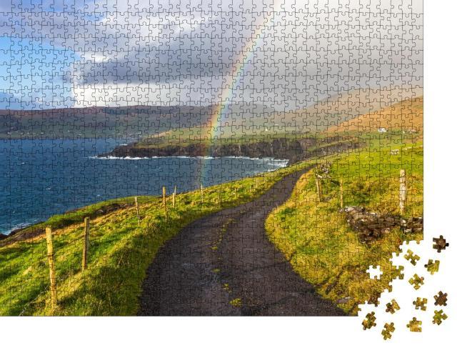 """Puzzle 1000 Teile """"Wilde Landschaft Irlands mit wunderschönem Regenbogen"""""""