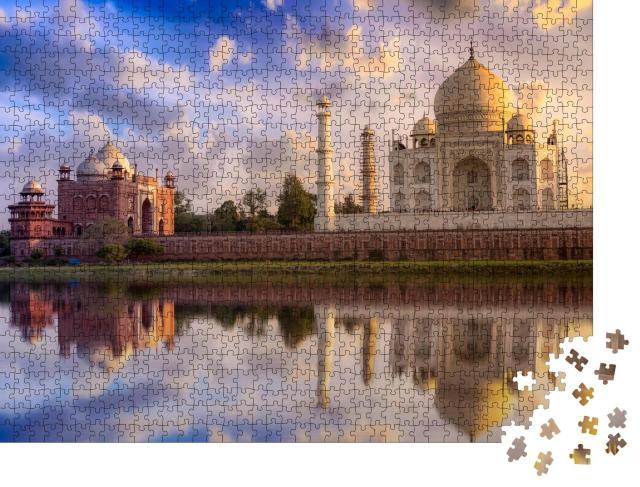 """Puzzle 1000 Teile """"Taj Mahal: malerischer Sonnenuntergang mit prächtigem Himmel, Agra, Indien"""""""