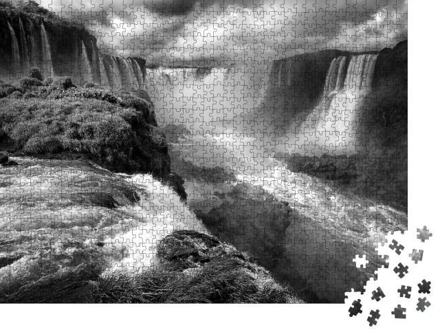 """Puzzle 1000 Teile """"Wasserfälle mit Regenbogen: Iguazu Falls in Parana, Brasilien"""""""