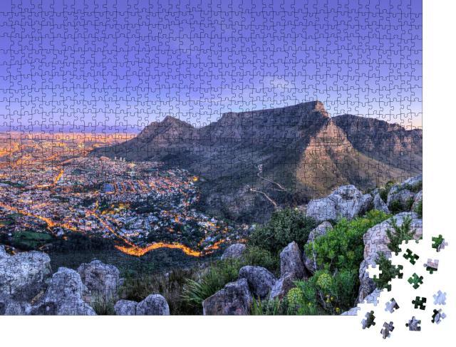 """Puzzle 1000 Teile """"Schöner Ausblick auf Kapstadt, die Berge und das Meer in Südafrika"""""""