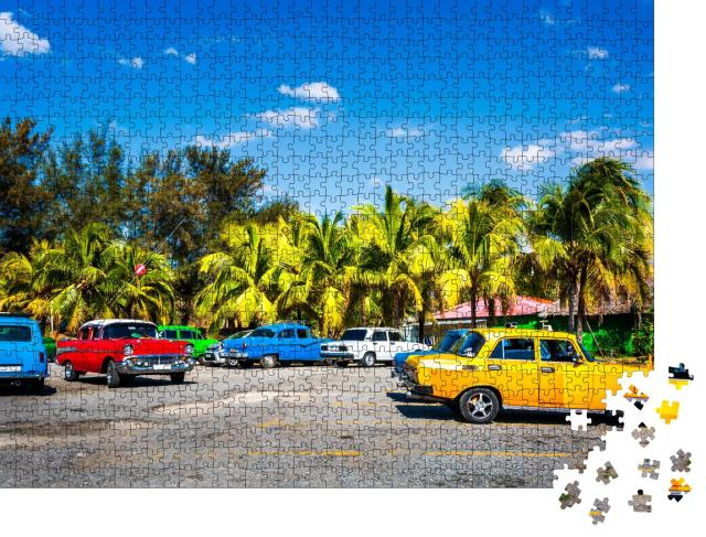"""Puzzle 1000 Teile """"Amerikanische Oldtimer auf Kuba"""""""