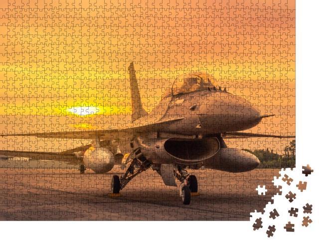 """Puzzle 1000 Teile """"Militärflugzeug auf der Start-und Landebahn"""""""
