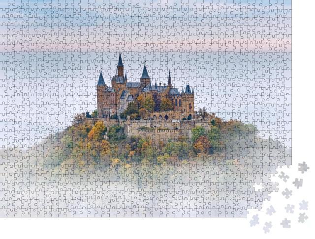 """Puzzle 1000 Teile """"Deutsche Burg Hohenzollern über Wolken"""""""