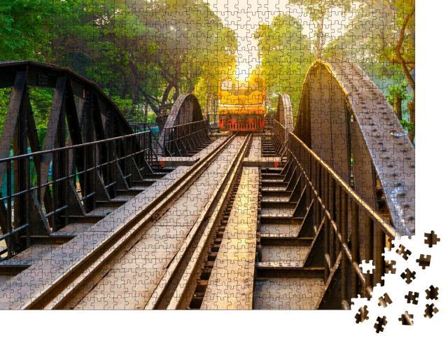 """Puzzle 1000 Teile """"Alter Zug auf der Brücke am Fluss Kwai in Kanchanaburi, Thailand"""""""