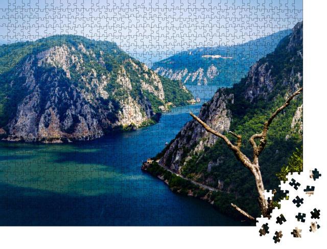 """Puzzle 1000 Teile """"Das eiserne Tor der Donau bildet die natürliche Grenze zwischen Serbien und Rumänien"""""""