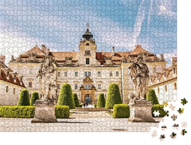 """Puzzle 1000 Teile """"Barockresidenzen von Valtice, Mitteleuropa"""""""