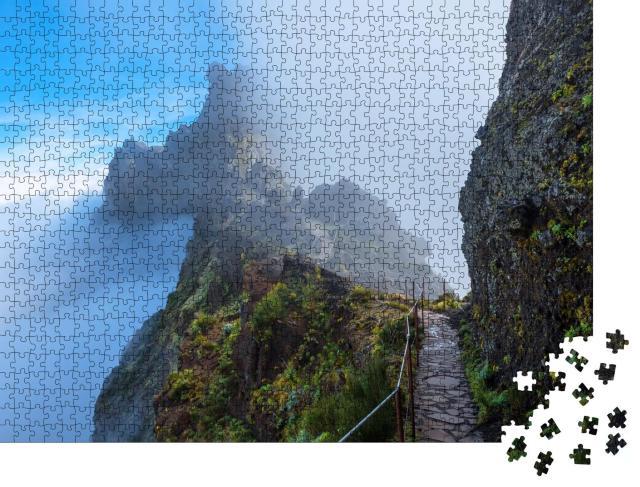 """Puzzle 1000 Teile """"Bergpfad über den Wolken von Madeira"""""""