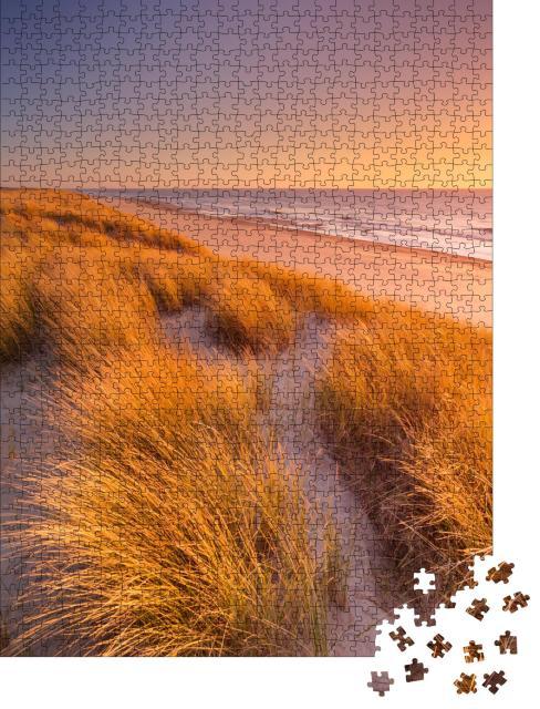 """Puzzle 1000 Teile """"Sonnenuntergang über den Dünen von Texel in den Niederlanden"""""""
