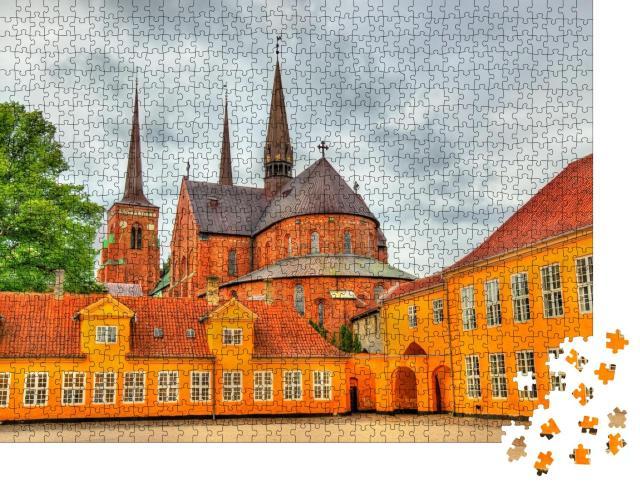 """Puzzle 1000 Teile """"Kathedrale von Roskilde: UNESCO-Weltkulturerbe in Dänemark"""""""
