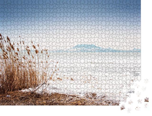"""Puzzle 1000 Teile """"Der Plattensee im Winter, Ungarn"""""""