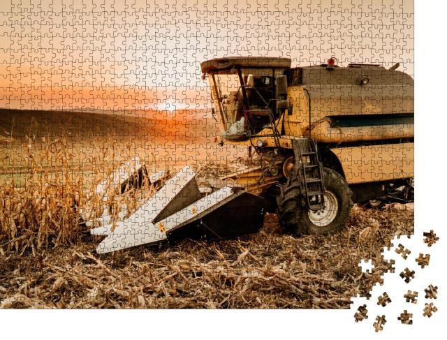 """Puzzle 1000 Teile """"Landwirtschaftliche Maschine: Ein Mähdrescher"""""""