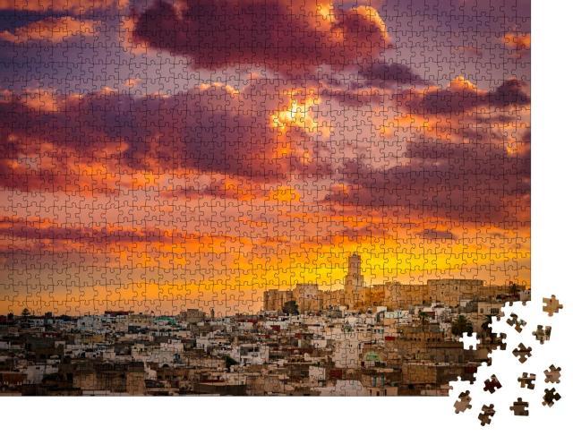 """Puzzle 1000 Teile """"Sonnenaufgang über der Medina und der Burg Kasbah in Sousse, Tunesien"""""""