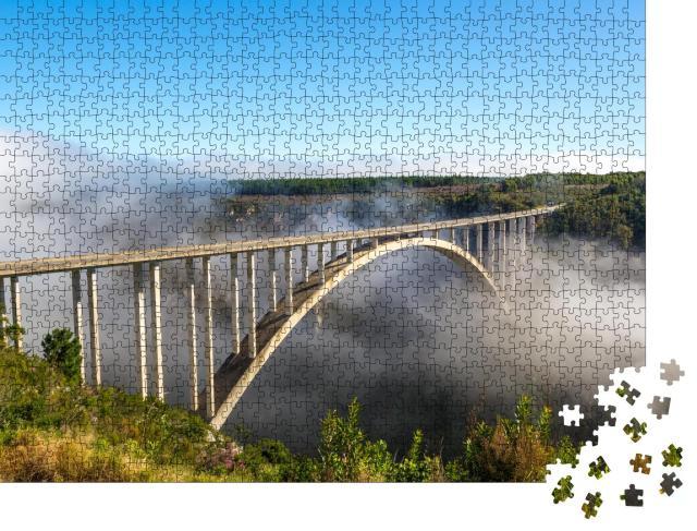 """Puzzle 1000 Teile """"Für Bungeesprünge berühmte Brücke im Distrikt Garden Route, Südafrika"""""""