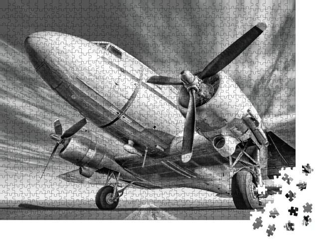 """Puzzle 1000 Teile """"Historisches Flugzeug auf einer Landebahn, schwarz-weiß"""""""