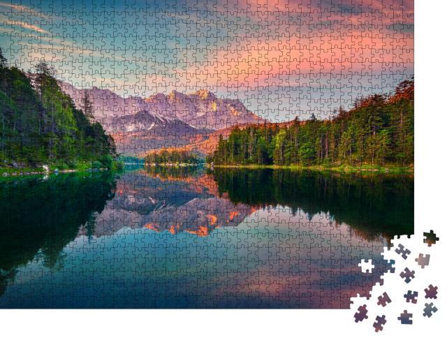 """Puzzle 1000 Teile """"Beeindruckender Sonnenaufgang am Eibsee mit Zugspitze, Deutschland"""""""